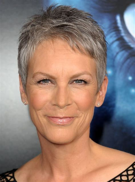 jamie lee haircut styles maintenance jamie lee curtis in premiere of 20th century fox s quot avatar