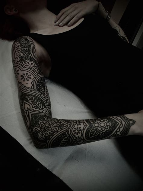 black arm tattoo electric tattoos guyletatooer just finished this sleeve