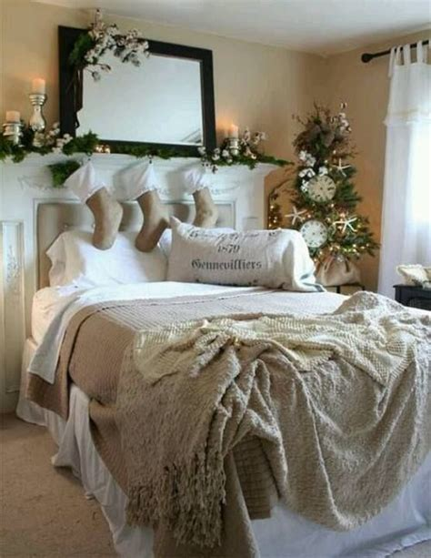 32 Adorable Christmas Bedroom D 233 Cor Ideas Digsdigs Ideas For Bedroom Decorating Themes