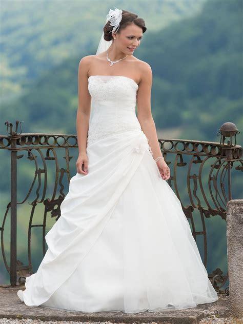 Brautkleid Weise by Brautmode