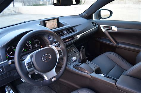 toyota lexus 2012 the 2012 lexus ct 200h is 3 206 pounds of hybrid sexiness