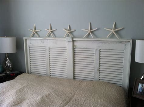 Closet Door Headboard by Best 25 Louvered Door Ideas Ideas On Sliding Door Shutters Louvered Bifold Doors
