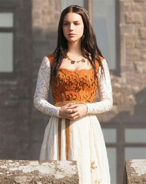 reign cw show hair weave beads beautiful gown and hair beads reign fashion