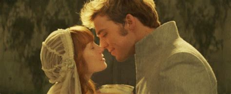 àstrid bergès frisbey and sam claflin hunger games finnick and annie gifs find share on giphy