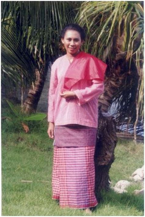 Baju Adat Maluku Modern 133 best images about proudly present my indonesia on traditional balinese and
