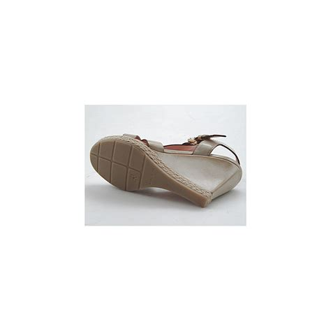 beige wedge sandal small or large wedge sandal in beige leather ghigocalzature