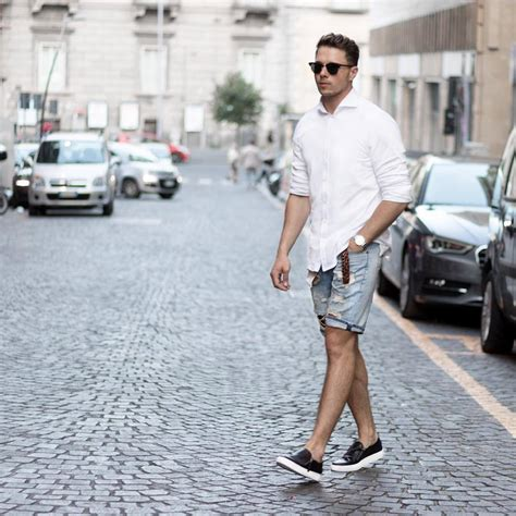 Ways To Look In Shorts by 8 Cool Ways To Style Your Shorts For Lifestyle By Ps