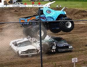 Jurassic Attack Truck Wheels Truck Jurassic Attack By Metalqueen94 On Deviantart