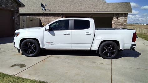 chevy colorado lowered lowered 2016 ccsb belltech kit chevy colorado gmc canyon