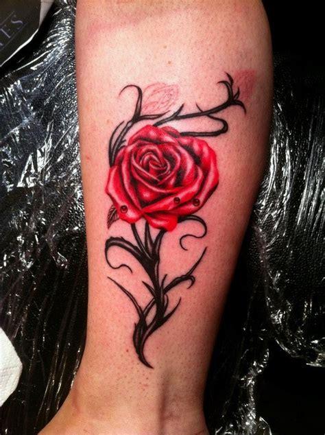 女生玫瑰花小纹身分享 女生玫瑰花小纹身图片下载