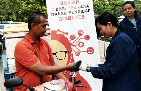 Gula Darah inovasi mahasiswa fk unair layani quot cek gula darah drive