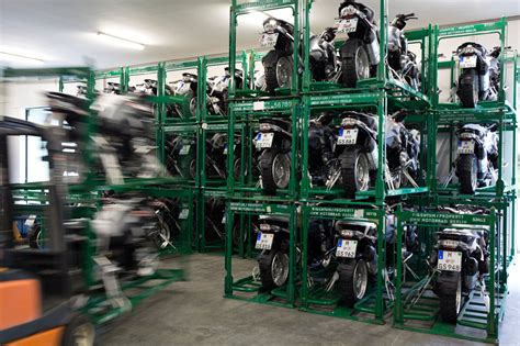 Eurotunnel Motorrad by Bmw Crates And Ships 114 Bikes For Gs Trophy 2016 Rescogs