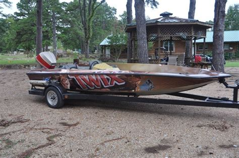 vinyl wraps vehicle graphics in lindale tyler texas - Boat Wraps East Texas
