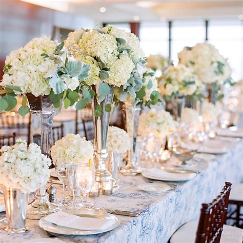 centerpieces with hydrangeas wedding flowers photos brides