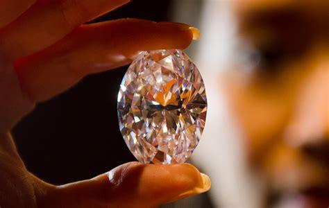 diamant sur canapé vf le diamant le plus cher au monde vanity fair