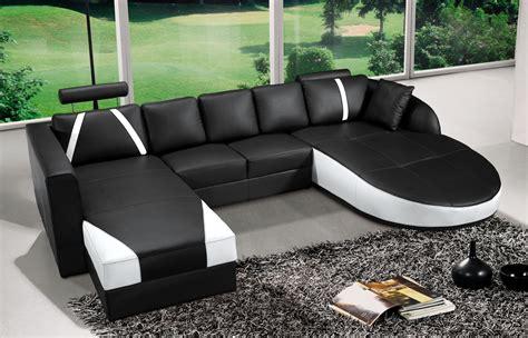 deco in canape d angle en cuir noir et blanc