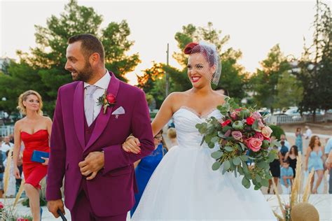 pin up vintage themed wedding in athens the wedding tales