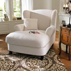 comfy bedroom chairs best 25 comfy reading chair ideas on comfy