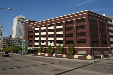 city set to build two downtown parking garages