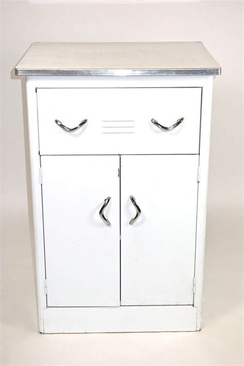 1950s kitchen cabinet retro kitchen