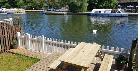 fishing boat hire potter heigham norfolk broads holiday cottages wroxham self catering