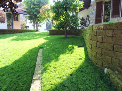 giardini it giardino con terrazzamenti in tufo progettazione giardini