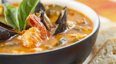 cucinare brodo di pesce ricetta brodo di pesce il giornale cibo