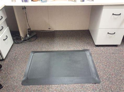 Diy Anti Fatigue Mat by Diy Standing Desk Erin R White