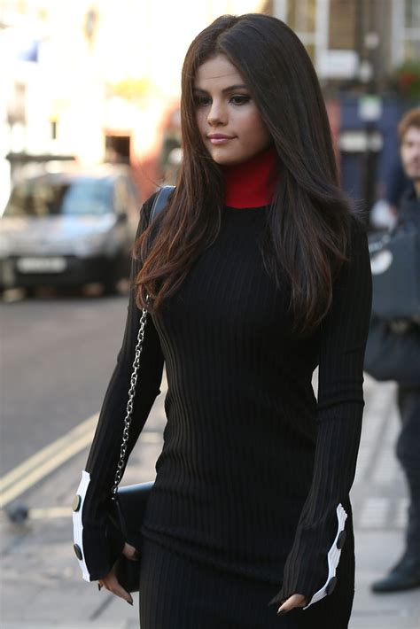 sle haircuts for women selena gomez reveals she has lupus and underwent