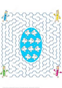 Free Ways To Find Help Each Pencil Find The Way To The Middle Of The Labyrinth And Color The Fish Puzzle