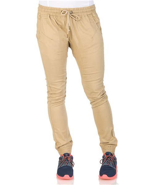 Apparel Lab Jogger Basic Khaki essentials twill jogger pant beige khaki ap4770 jimmy jazz