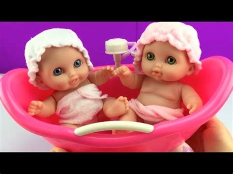 twin baby bathtub twin baby dolls bathtime lil cutesies babies bathtub w