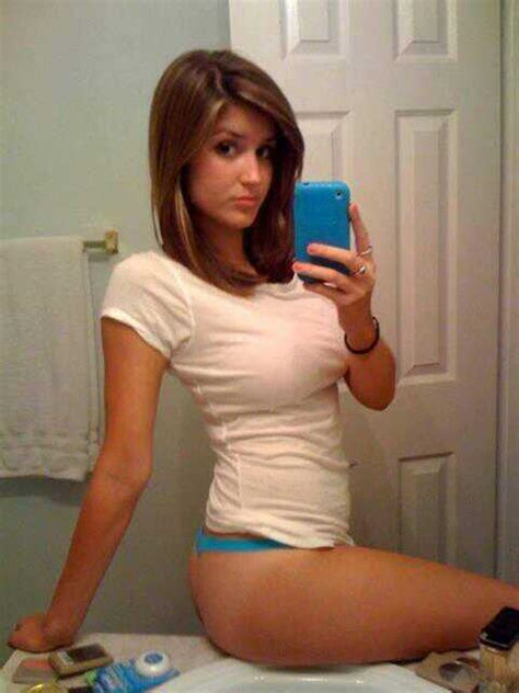 teen bathroom selfies babeofthemoment on twitter quot this babe takes selfies to