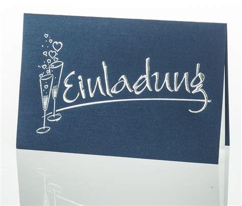 Einladungskarten Hochzeit Dunkelblau by Einladungskarte Dunkelblau Mit Sektgl 228 Sern Und Silbernem