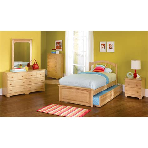 raised twin bed windsor twin bed w raised panel footboard dcg stores
