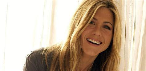 Miroir Dis Moi Qui Est Le Plus Beau by Aniston Quot Miroir Mon Beau Miroir Dis Moi Qui