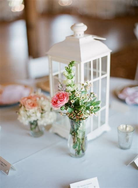 Floral Centerpiece Idea For Casual Weddings by Casual Wedding Centerpieces Fab Mood Wedding Colours