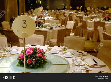 wedding table centerpieces hire uk table setting wedding banquet table setting