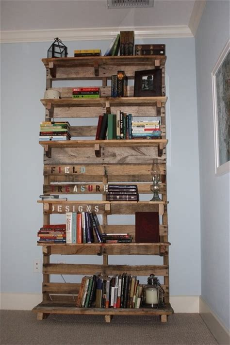 pallet bookshelf stores the mess inside 101 pallets