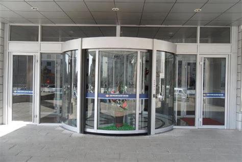 Glass Revolving Door Security Glass 2 Wing Golden Automatic Revolving Door Of Aluminium Frame