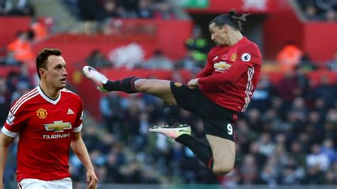 zlatan ibrahimovic historic goal and fly kick celebration