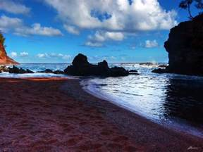colored sand beaches 8 jaw dropping colored sand beaches in hawaii