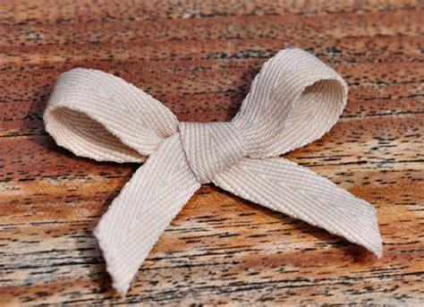 Comment Réaliser Une Pinata by Comment Coudre Un Noeud Papillon En Tissu