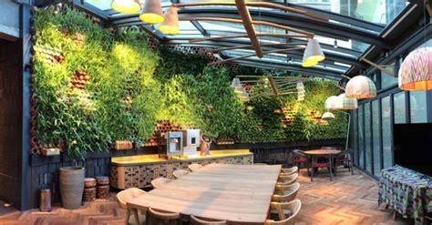 restaurant  london   gorgeous living wall