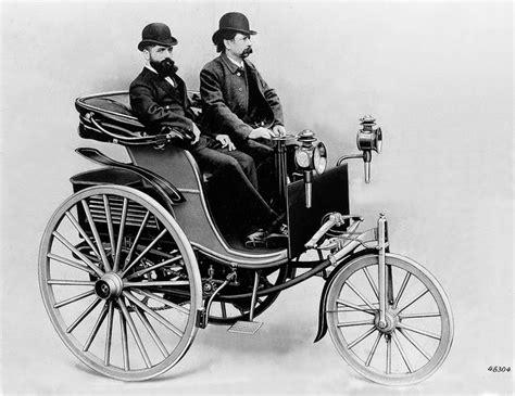Roscoe Reports 1886 1st Successful Gasoline Driven Car