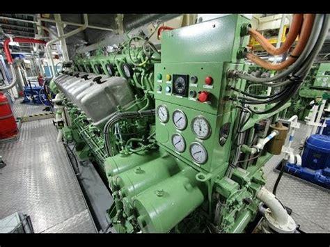 tugboat engine abc diesel engine startup tugboat 5500hp youtube