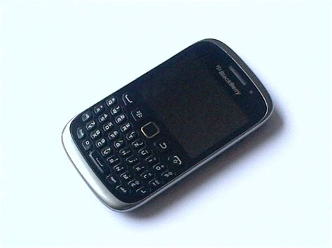 Blackberry Curve 9320 Indosat file blackberry curve 9320 front jpg wikimedia commons