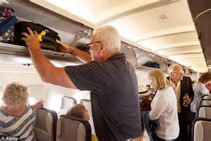 United Airline Baggage Weight by Delta Air Lines To Pre Load Passengers Hand Luggage To Speed Up Boarding Daily Mail Online