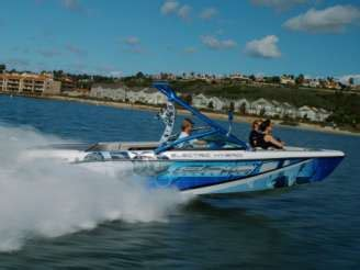epic dive boats hybrid speedboats gas electric epic 23e is perfect for
