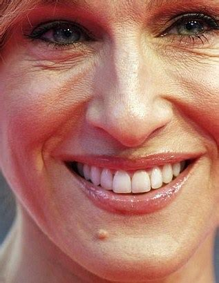 commercial actress with mole on face sarah jessica parker the everything board for now